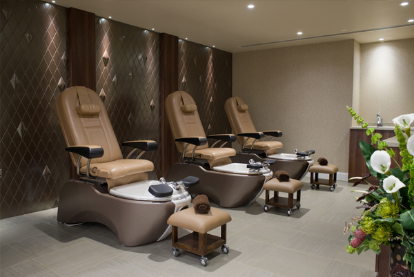 pedicure thrones